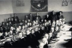 rok-1953-w-szkolnej-jadalni